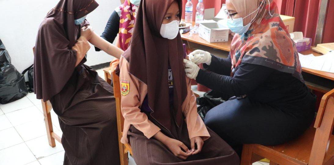 MTsN 9 Kuningan Sukses Gelar Gebyar Vaksin untuk Siswa
